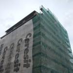 Revitalizace bytového domu v plném proudu